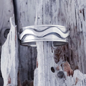 Chunky Wave Patterned Ring