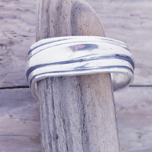 Gents Wave Ring