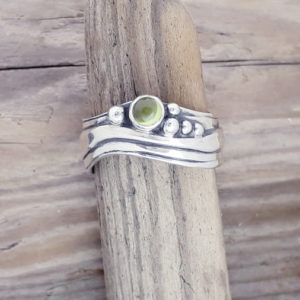 Medium Wave Ring with Peridot