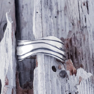 Wave Ring in Plain Silver